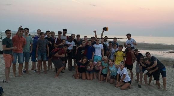 groepsfoto strand